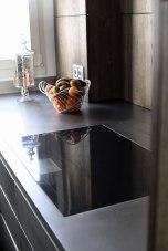 Table de cuisson Full Zone et hotte de plan à moteur déporté GAGGENAU