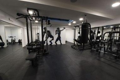 La salle de renforcement musculaire tout en matériel professionnel Technogym